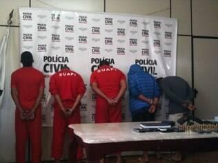 Polícia Civil apresentou cinco suspeitos de integrar quadrilha que cometia assassinatos em Ibirité e na região do Barreiro