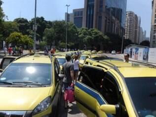 O reajuste não agradou aos taxistas, que acreditam que a nova tabela não atende aos interesses da categoria