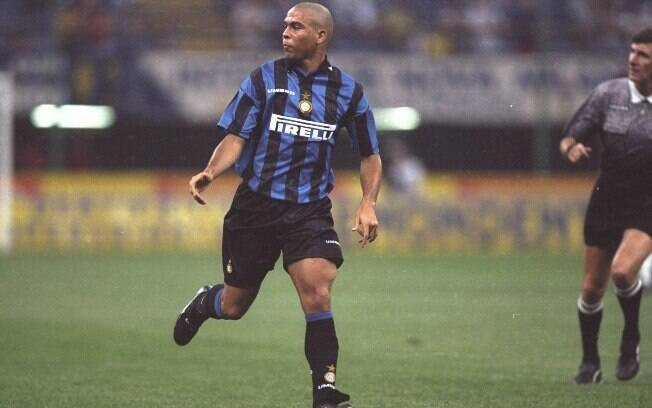 Em 1997, Ronaldo conquistou o título de  melhor do mundo pela segunda vez