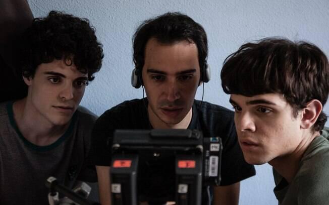 Fábio Audi, Daniel Ribeiro e Guilherme Lobo conferindo as gravações. Foto: Divulgação