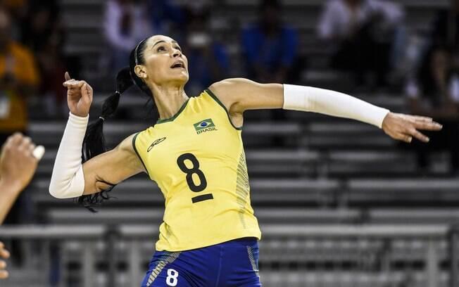 Ponteira na seleção brasileira, Jaqueline conquistou muitas medalhas nos 18 anos que ficou na equipe