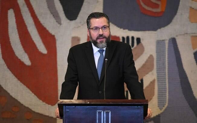 Diplomata, novo ministro das Relações Exteriores iniciou a carreira no Itamaraty em 1991