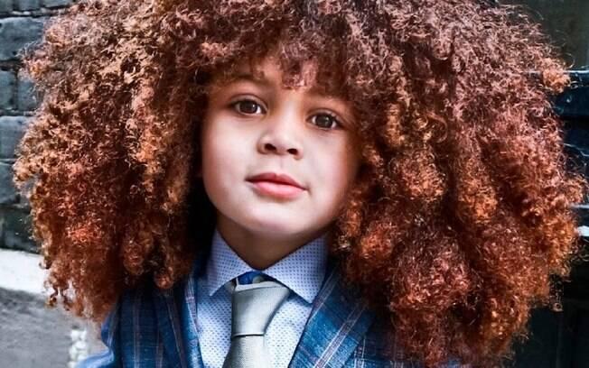 Estiloso, o londrino Farouk James tem como marca registrada o cabelo black power