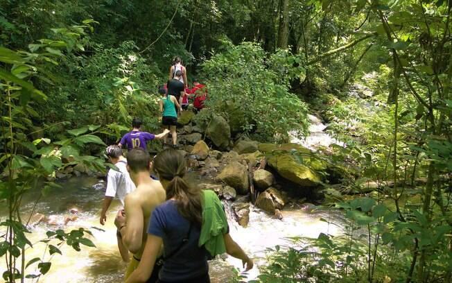 Em diversos parques do destino dá para fazer trilhas e o turista pode aproveitar os passeios em Brotas para se aventurar