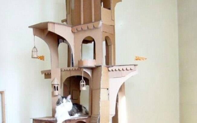 Primeiro castelo que Sam construiu pra Dinni