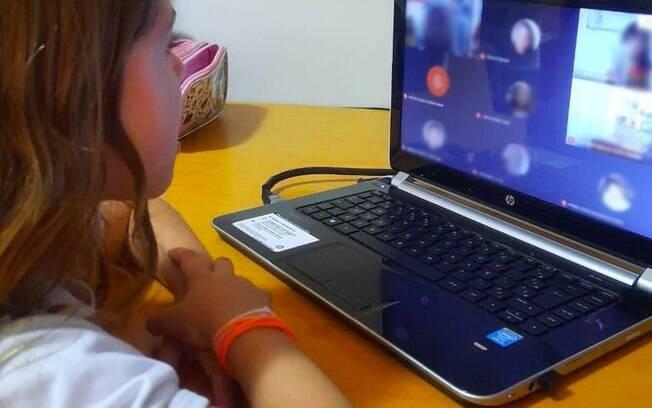 A estudante Maria Beatriz, de 5 anos, relata saudade do convívio social: