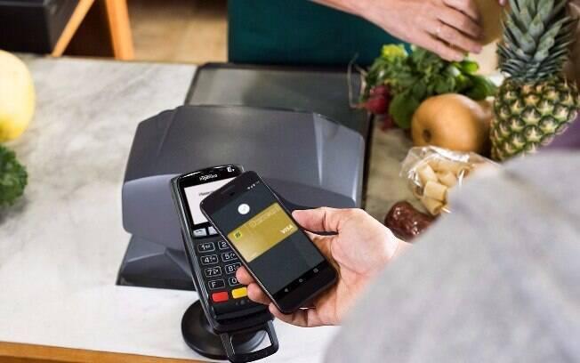 Disponível para aparelhos com versões KitKat 4.4 ou superior, Android Pay utiliza conexão NFC do smartphone