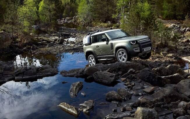 Land Rover Defender ficou bem mais sofisticado e ainda mais capacidade de enfrentar trilhas fora do asfalto