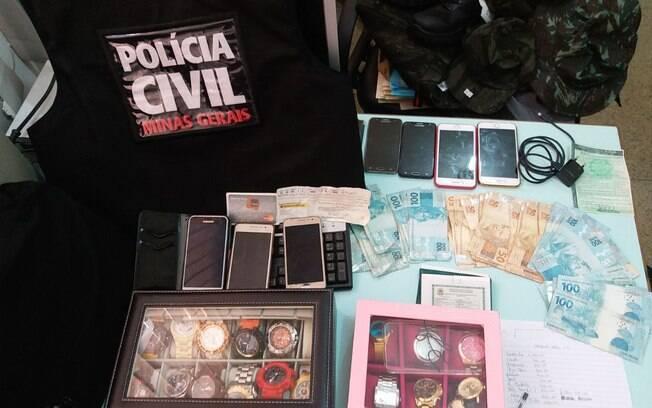 Operação em Minas Gerais resultou na prisão dos três suspeitos e na apreensão de mais de R$ 6 mil em dinheiro