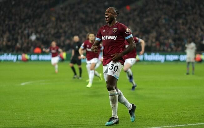 Antônio marcou o gol do West Ham. Com risco de perder a liderança, Liverpool ficou apenas no empate