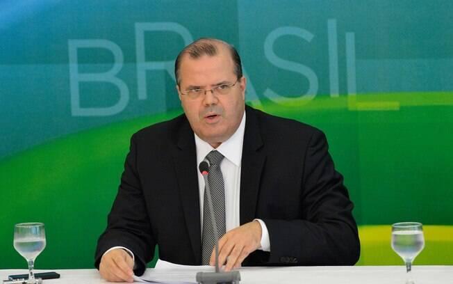 Alexandre Tombini permaneceu como presidente do Banco Central