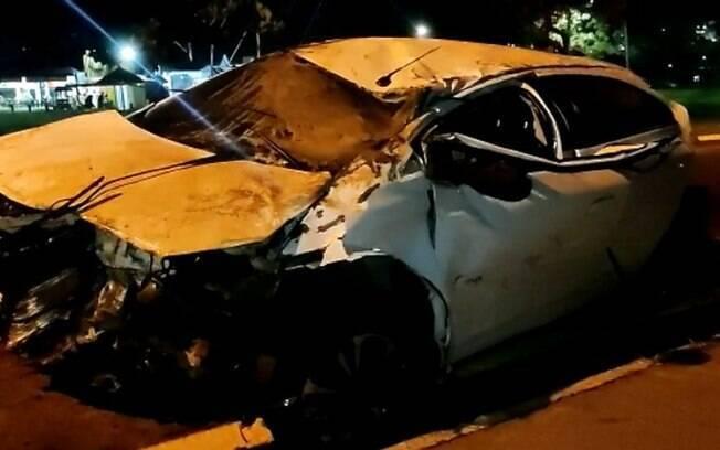 Capotamento seguido de colisão deixa uma vítima fatal na Bandeirantes
