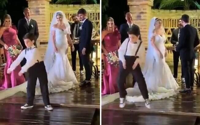 O pequeno pajem caminhou até os noivos ao som de uma música do filme