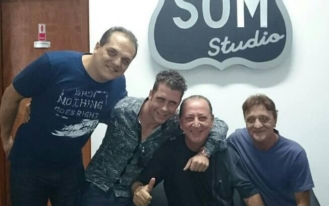 Kassio com seus produtores na BR Som