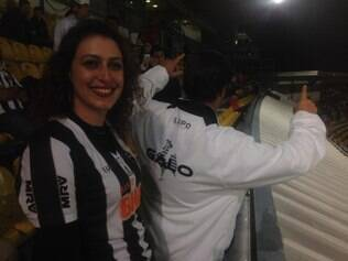Aline Bracks e Fabio são os 'intrusos' no estádio El Campín, em Bogoá