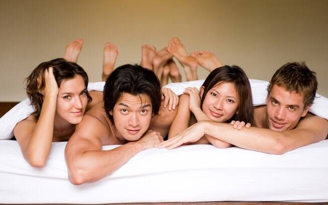 casais na cama