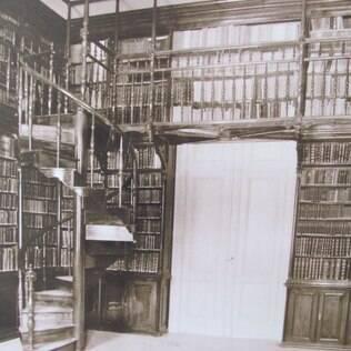 Há cem anos escola pública de SP tinha aula de esgrima e laboratório de anatomia