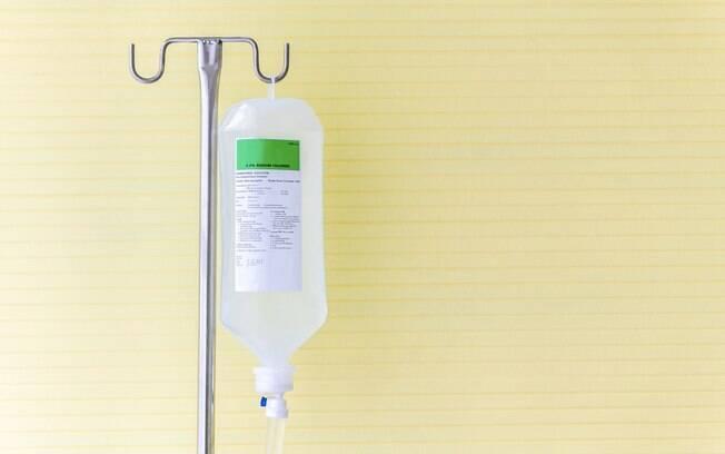 Em geral, a fluidoterapia é adotada em casos mais simples. Deve ser feita de forma lenta e constante para evitar complicações em função da ingestão rápida de líquidos