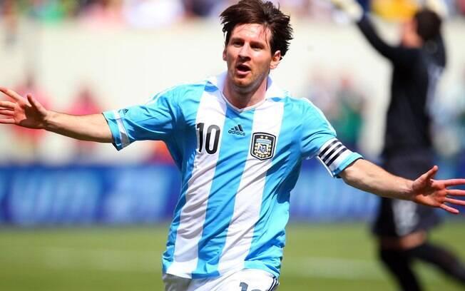 Messi também conquistou de vez a seleção  argentina com gols e igualou a marca de Gabriel  Batistuta, com 12 tentos no ano