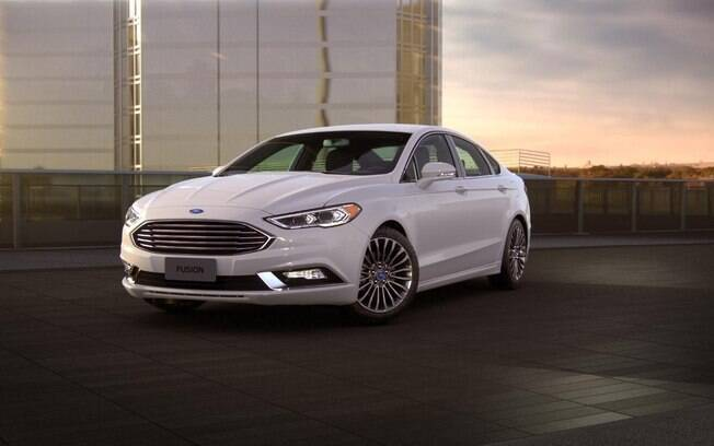 A lista dos carros sustentáveis e híbridos do Brasil começa com o veterano Ford Fusion Hybrid, na quinta colocação