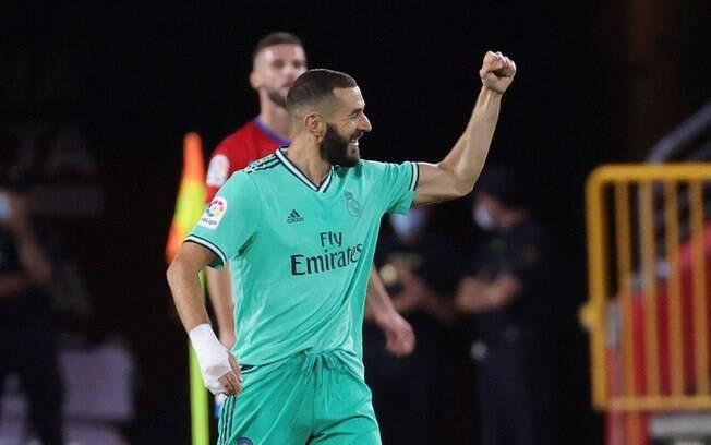 Benzema marcou um dos gols da vitória do Real Madrid sobre o Granada