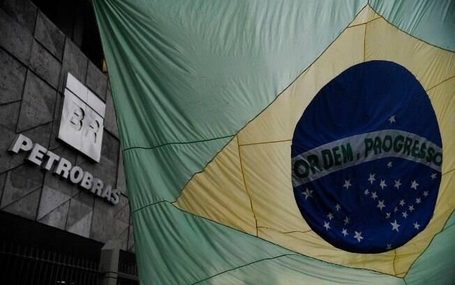 Os papéis da Petrobras – PETR3 e PETR4 – estão entre os que exercem maior influência no desempenho do Ibovespa
