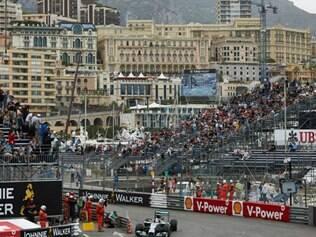 Os pilotos da Mercedes novamente dominaram um Grande Prêmio na temporada 2014
