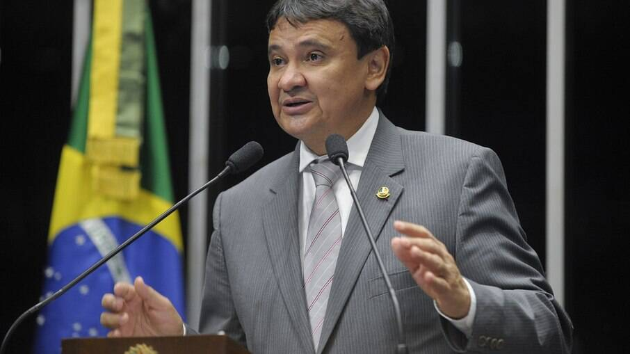 Governador do Piauí diz que acionará o STF por vacina russa contra covid-19