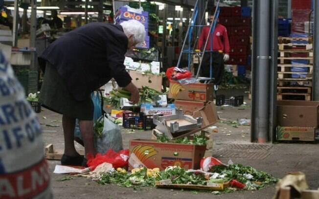 O Renda Cidadã, uma espécie de Bolsa Família, será pago a partir de abril por meio de cartões fornecidos pelo governo
