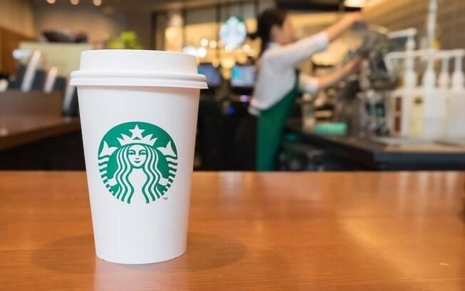 No dia 9 deste mês, a Starbucks anunciou que começará a eliminar o uso de canudos de plástico em seus 28 mil restaurantes até 2020
