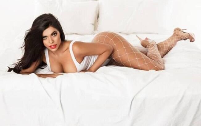 Suzy Cortez sensualiza em fotos de ensaio de