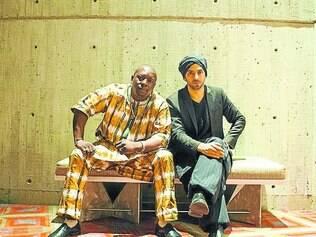 """Vieux Farka Touré e Idan Raichel estão divulgando o segundo álbum, """"The Paris Session"""""""