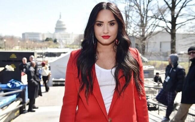 Segundo informações do TMZ, overdose de Demi Lovato pode ter sido causada pela mesma substância que causou a morte do cantor Prince
