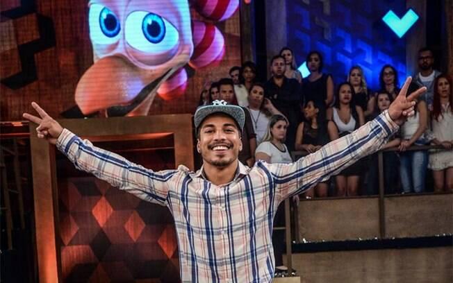 Douglas Sampaio comemora vitória na 8ª edição do programa A Fazenda, da Record. Foto: Francisco Cepeda/AgNews