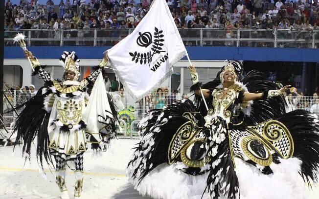 A tradicional escola de samba Vai-Vai é um dos destaques no Anhembi deste sábado (10)