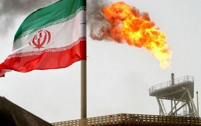 Preço do petróleo sobe e bolsas internacionais caem após ataque do Irã a bases dos EUA