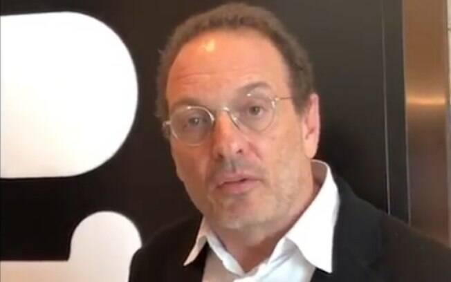 Luiz Schwarcz se envolve em confusão na Flip