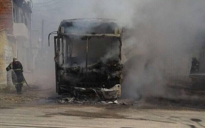 Seis pessoas foram presas por ataques a ônibus em Fortaleza e na região metropolitana da capital do Ceará