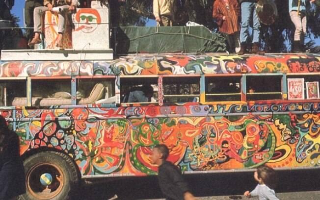Tom Wolfe acompanhou grupo alternativo que pregava uso de LSD na década de 60 em seu famoso livro-reportagem