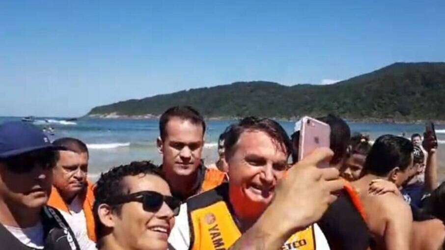 O presidente Jair Bolsonaro (sem partido) esteve no Guarujá, litoral norte de São Paulo, durante suas férias entre dezembro de 2020 e janeiro de 2021