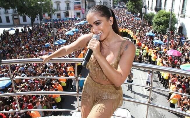 Anitta foi um dos hits do carnaval de 2016 com seu Bloco das Poderosas e deve fazer o mesmo em 2017
