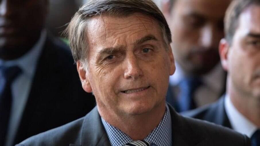 Bolsonaro deve ser vacinado contra a covid-19 neste sábado, segundo jornalista