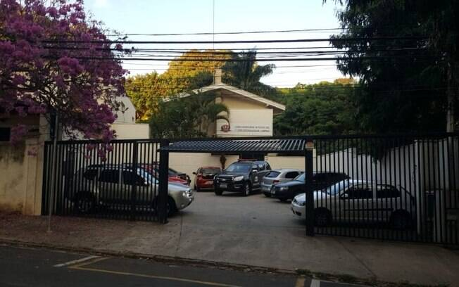Policial é preso suspeito de fazer parte de quadrilha de roubo de casa
