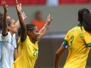 Formiga comemora o segundo gol em cima da Argentina