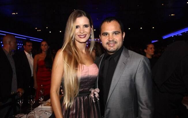 Luciano Camargo fez uma homenagem para a mulher, Flávia