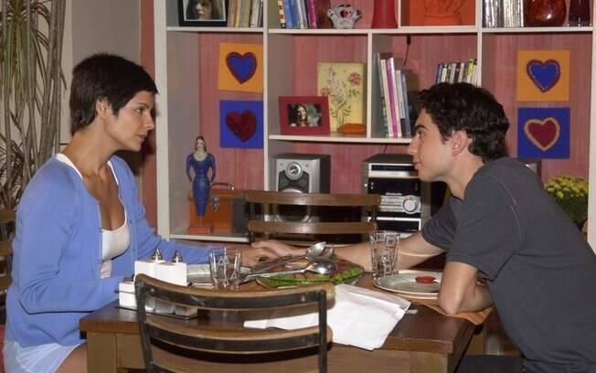 Raquel (Helena Ranaldi) e Fred (Pedro Furtado)