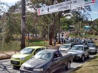 Trânsito intenso na orla da Lagoa da Pampulha antes da partida entre Colômbia e Grécia