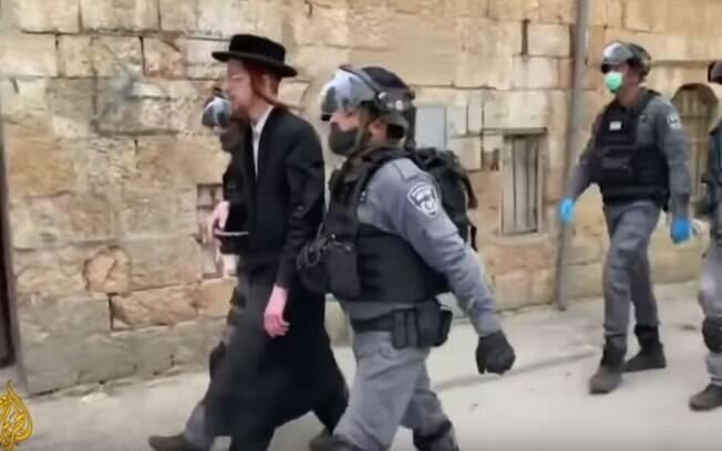 Polícia está controlando a circulação de pessoas em Bnei Brak