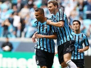 Sem Barcos, Grêmio contou com Luan e Lucas Coelho para garantir a vitória