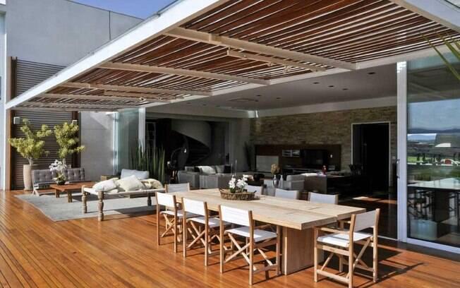 Aproveite mais a varanda delas ig for Sala de estar gourmet